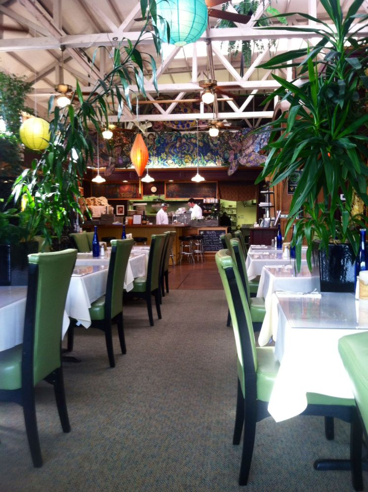side-door-cafe-interior-megan-oliver