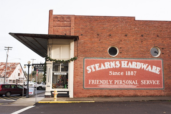 ezra marcos, stearns hardware, oakland oregon, umqua valley,