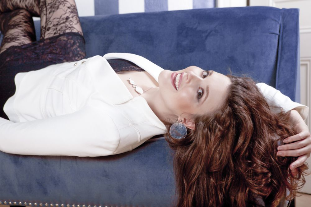 Halie-Loren_Singer-Song-Writer_Blog_Music