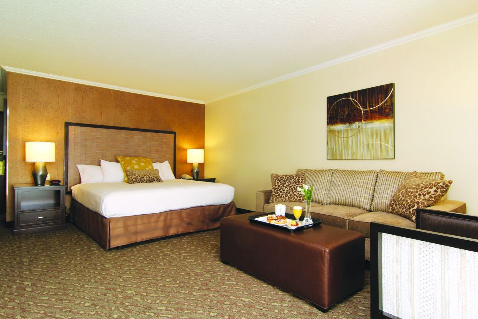 ValleyRiverInn_Room