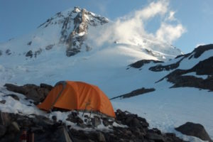 1859_web_winter-camping_timberline-mountain-guides
