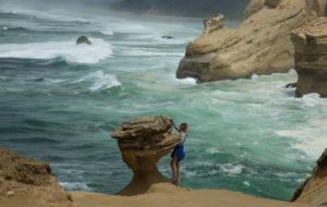 Oregon-Postcard_Cape-Kiwanda_Cody-Cheng_630x400