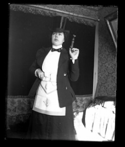 Sept_Oct_2015_Feature_The_Woman_Behind_The_Lens_Maud_Baldwin_003