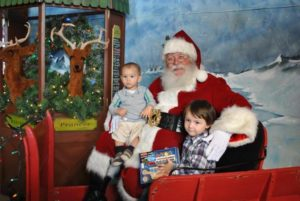 event_post__Photos-amp-Visits-with-Santa-at-the-Carousel_1446605334_1