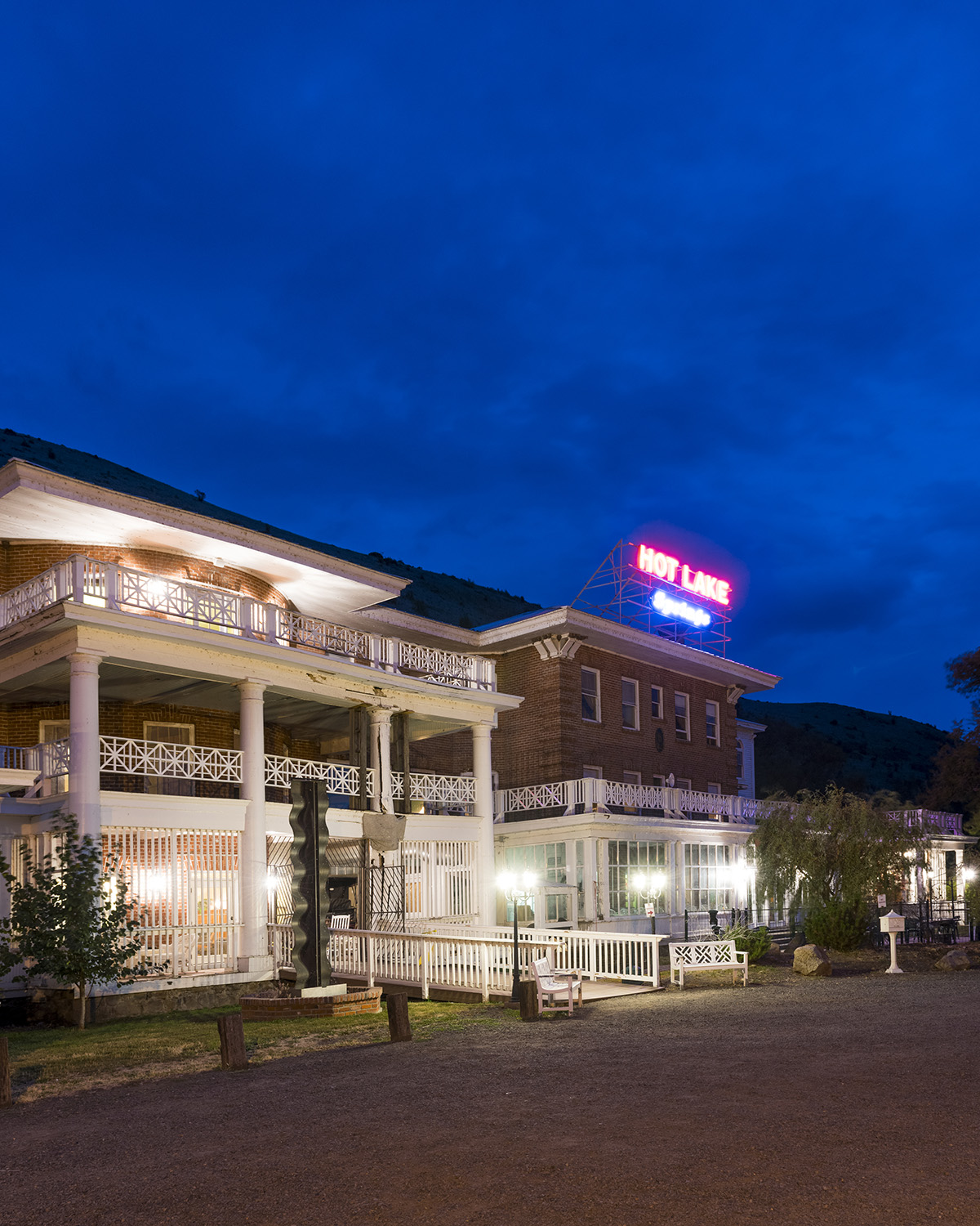Hot Lake Springs Hotel
