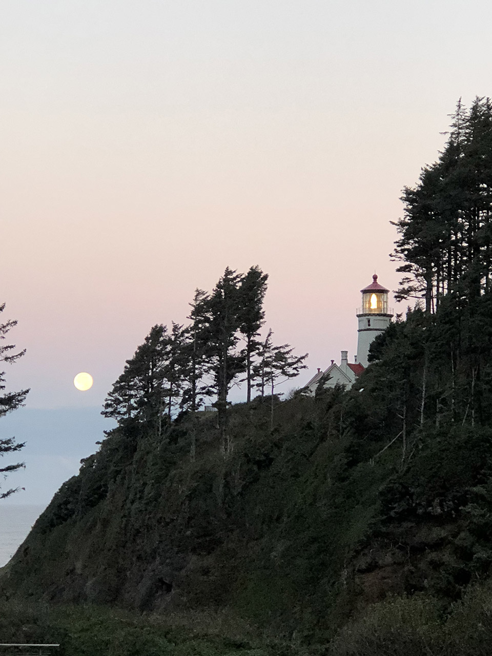 Heceta Head Lighthouse, Oregon Coast photo courtesy of Travel Oregon